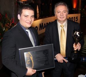 Bonilha and Éric receive the awards