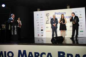 Representatives from specialized medias present the awards
