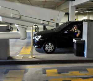 Áreas de acesso e saída no estacionamento estão mais seguras