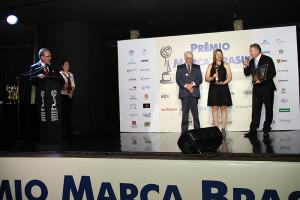 Representantes das mídias especializadas entregam os prêmios