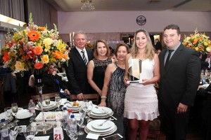 Executivos do Digifort comemoram a conquista do troféu
